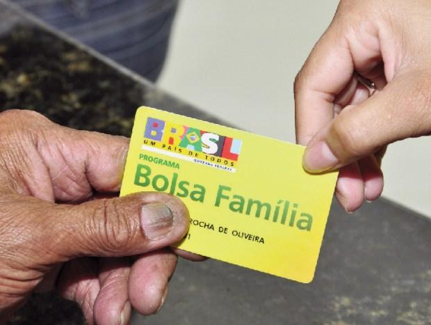 Banco recebe com meses de atraso o repasse para pagamento de benefícios como Bolsa Família