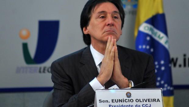 Eunício nega ser alvo de operação da PF deflagrada em Goiânia