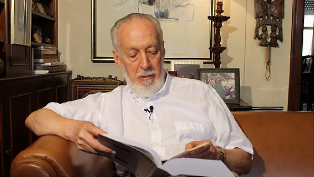 Alberto da Costa e Silva: o ex-líbris é uma declaração de amor ao livro | Foto: publico.pt