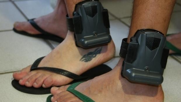 Presos poderão ter que pagar pela própria tornozeleira eletrônica