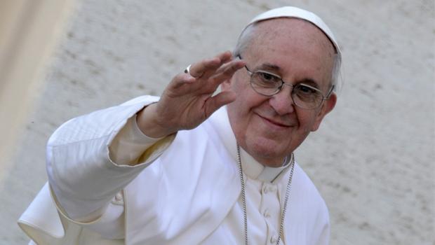 Papa apela aos jovens para que não reduzam o amor somente ao sexo