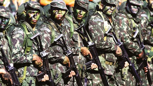 Homens transexuais devem se alistar nas Forças Armadas