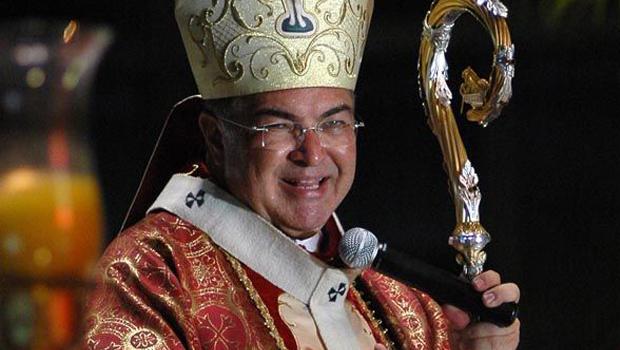 Mesmo reconhecido por ladrões, arcebispo é assaltado no Rio