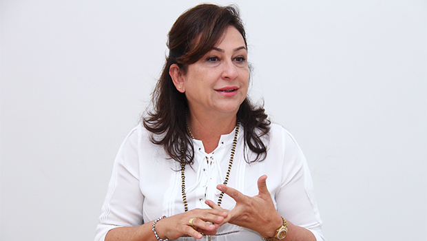 Kátia Abreu será primeira a interrogar Dilma Rousseff em sessão de julgamento no Senado