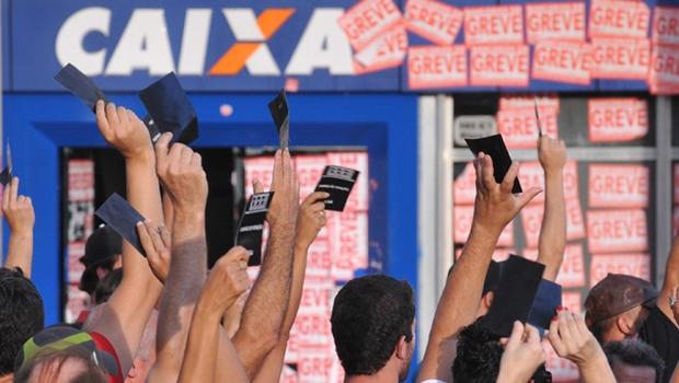 Caixa Econômica fecha acordo com Fenaban e encerra greve