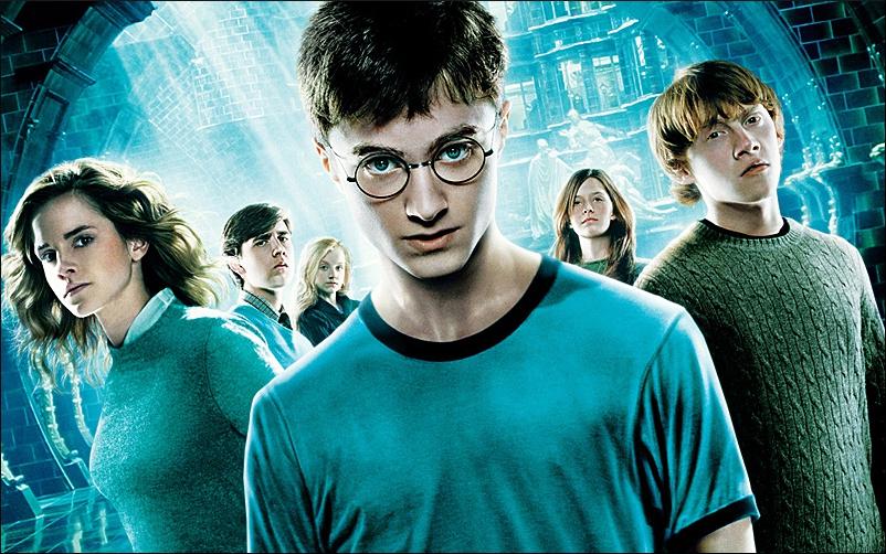 """J.K. Rowling publica novos contos sobre o universo de """"Harry Potter"""" e revela segredos da saga"""