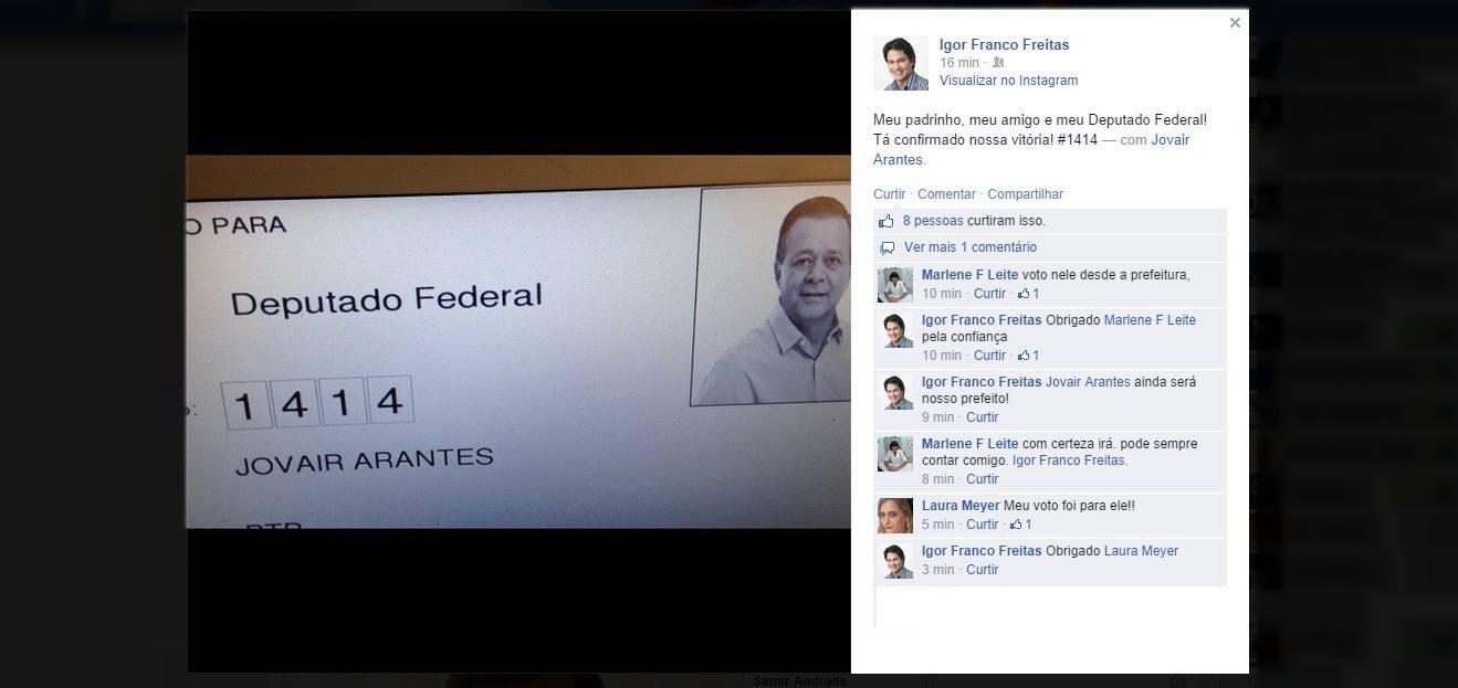 Afilhado político do candidato Jovair Arantes tira foto da urna