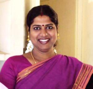 TV da Índia põe jornalista transgênero para apresentar telejornal