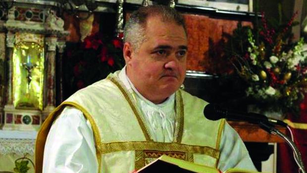 Don Max Suard solicitou dois dias afastado para escrever uma carta pedindo perdão a Deus, à Igreja e também para à vítima