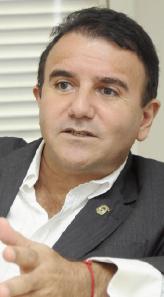 """ão podemos dizer que Eduardo Siqueira não é um grande político. Ele  é, apesar de estar enfraquecido"""""""