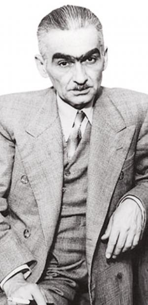 """""""Em dois livros, 'Ferro' (1931) e 'O Escândalo do Petróleo' (1936), o escritor documenta os lances dramáticos da duríssima batalha que teve que travar contra a 'carneirada' e contra os 'moinhos de vento', movido unicamente pelo afã de prover o Brasil de uma indústria petrolífera independente"""""""