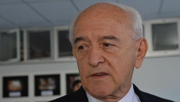 """Ministro do Trabalho anuncia carta colocando cargo """"à disposição"""" da presidente"""