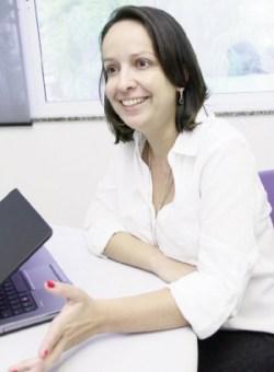 Gerente de estratégias Camilla Carvalho: tecnologia influencia todas as áreas  Foto: Fernando Leite / Jornal Opção