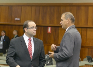 Deputados Fábio Sousa (PSDB), a esquerda, e Ney Nogueira (SDD), à direita / Foto: Carlos Costa/ Alego