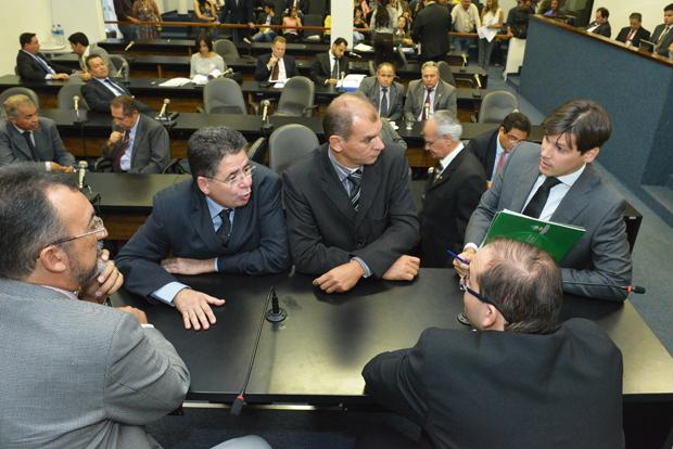 Líder do governo faz pedido de vistas do projeto de reforma administrativa para analisar emendas de deputados