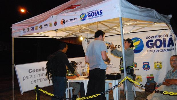 Mais de 5,7 mil motoristas foram flagrados em Goiás dirigindo sob efeito de álcool em 2016