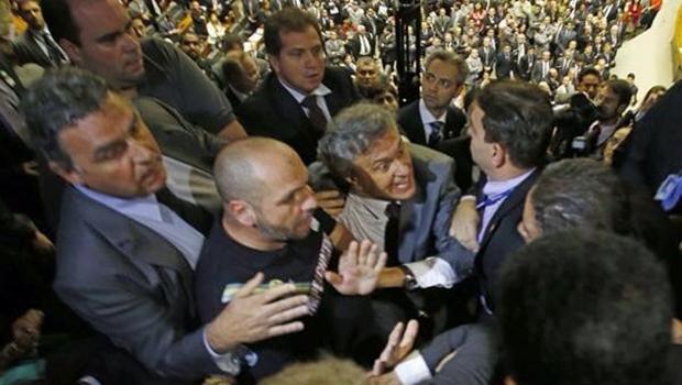 Senador eleito por Goiás defende a entrada de manifestantes no Congresso   Foto: reprodução / Facebook