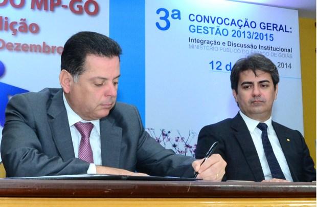Governador assinou no último dia 9 decreto que instituiu  Grupo de Trabalho para regulamentação da Lei Anticorrupção Foto: Reprodução/MPGO