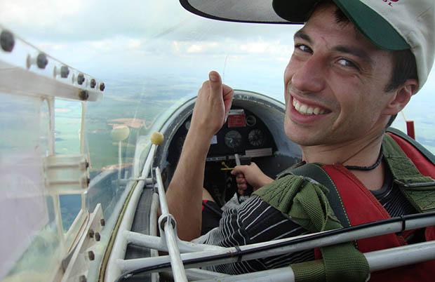 Melhora estado de saúde do piloto do avião que caiu em fazenda de Júnior Friboi