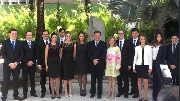 Governador empossa 11 novos procuradores do Estado