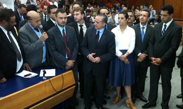 Anselmo, ao centro, conquistou Bloco Moderado e base | Foto: Marcello Dantas/Jornal Opção Online