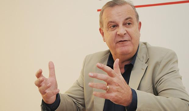 Em reunião com vereadores, Paulo Garcia tenta evitar embate e fala em novo projeto para data-base