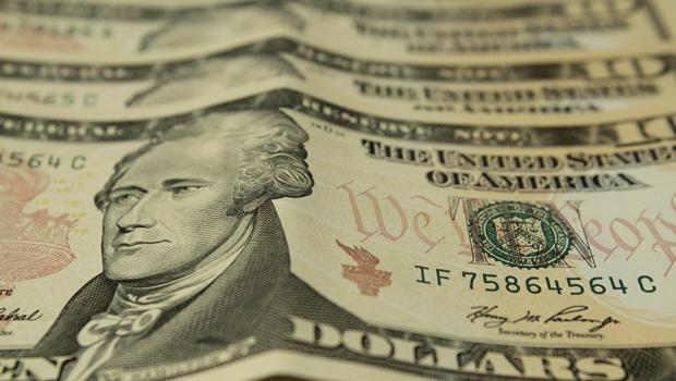 Ações do BC para segurar dólar fazem dívida cambial bater recorde em 2014