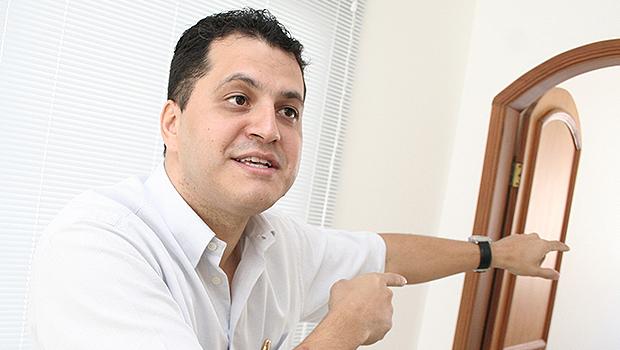 Vice-prefeito Agenor Mariano não concorrerá em 2016. Motivo: é barrado pelo PMDB, que prefere Iris