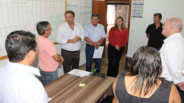 Governador Marcelo Miranda e secretário do Desenvolvimento, Clemente Barros Neto: conversa com os servidores na tentativa de chegar a um acordo / Foto: Elizeu Oliveira