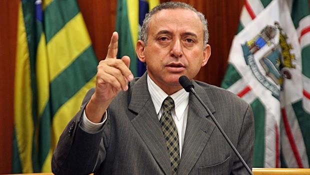 Anselmo Pereira é indiciado pela polícia por usar servidores do Estado em seu gabinete