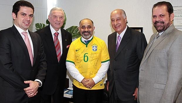 Novo ministro do Esporte recebe apoio de dirigentes da CBF