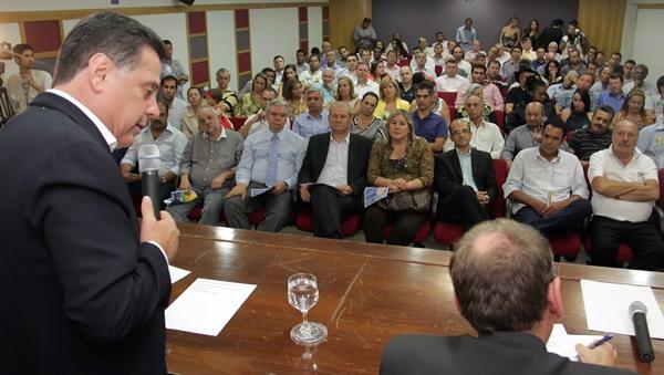 Governador defendeu incentivos fiscais durante campanha de 2014. Na imagem, em sabatina com empresários de Anápolis na Acia | Foto: Marcos Monteiro