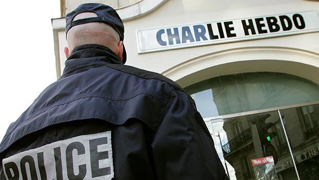 Polícia francesa mata dois suspeitos de massacre