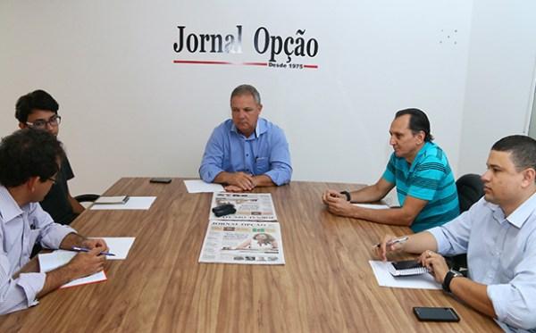 """Prefeito Misael Oliveira fala a editores e repórteres do Jornal Opção: """"Estou focado em administrar Senador Canedo"""""""