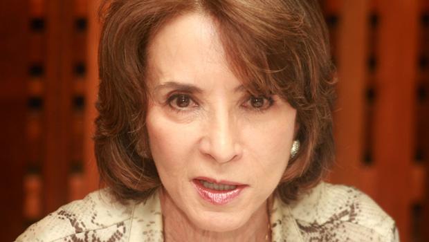 Secretária Raquel Teixeira anuncia reabertura do Cine Cultura e projetos para os próximos anos