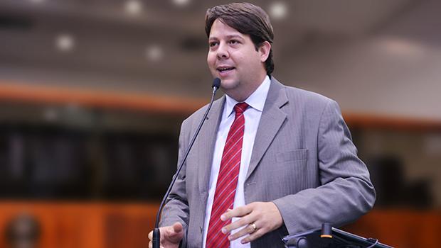 Karlos Cabral diz que papel da Alego é fundamental para quitar dívida com servidores
