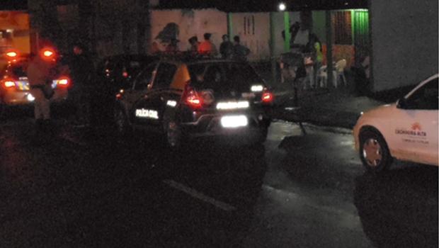 Em Cachoeira Alta, operação interdita bares e apreende adolescentes em boates