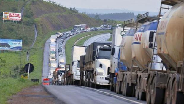Greve dos caminhoneiros pode começar no dia 29 de abril