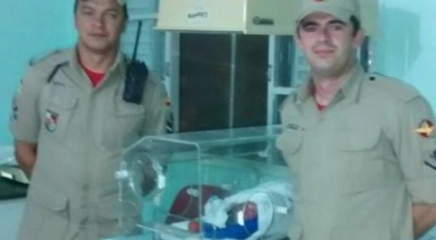 Corpo de Bombeiros realiza parto dentro de viatura, em Caldas Novas