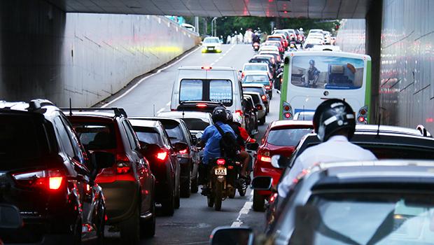 Especialistas dizem que gestão de  Paulo Garcia não consulta sociedade  antes de fazer mudanças no trânsito