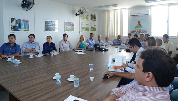 Projeto de execução de PMAT é apresentado ao prefeito de Aparecida de Goiânia | Foto: reprodução / Secretaria de Comunicação de Aparecida
