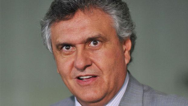 Ronaldo Caiado diz que Dilma Rousseff pode cair sozinha ou pode levar Michel Temer junto
