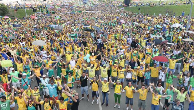 Confira imagens das manifestações deste domingo Brasil afora