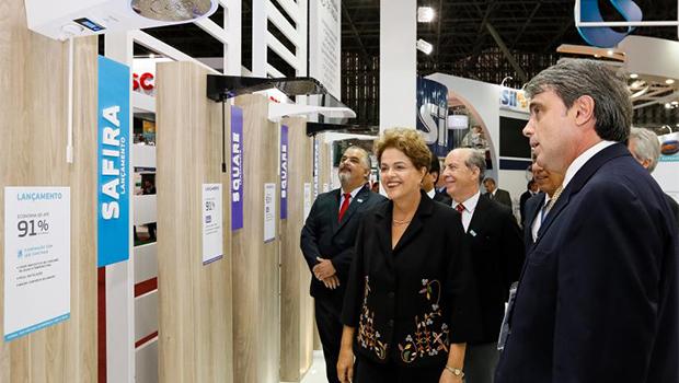 Dilma é vaiada em evento em São Paulo; veja vídeos