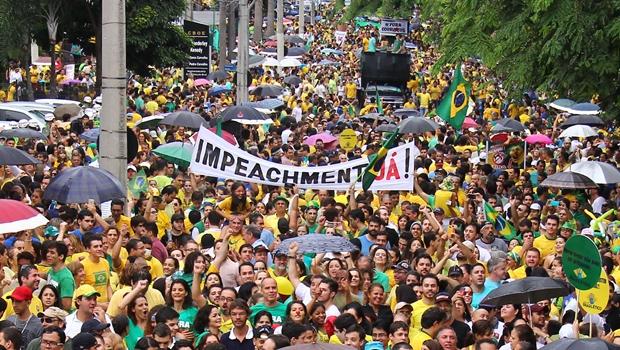 Aumenta apoio ao impeachment de Dilma