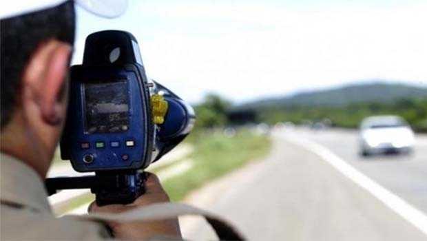 PRF registra veículos a até 164 km/h no feriado prolongado