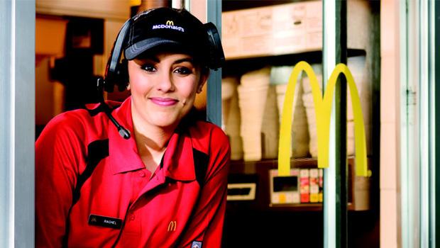 McDonald's rebate protestos de funcionários e diz que é uma das melhores empresas para se trabalhar