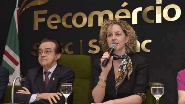 Ana Carla Abrão ao lado do presidente da Fecomércio, José Evaristo | Foto: Divulgação