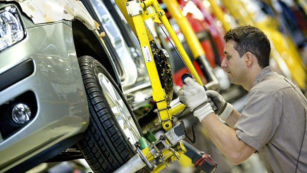 Apesar de queda nacional, indústria cresce em Goiás