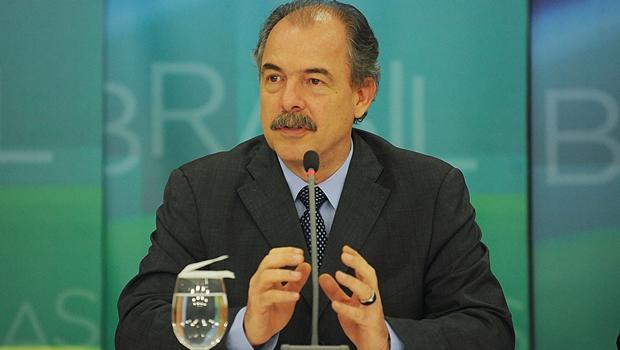 Para Aloizio Mercadante, este é apenas o início do processo e governo deve trabalhar para retomar crescimento | Foto: José Cruz/Agência Brasil